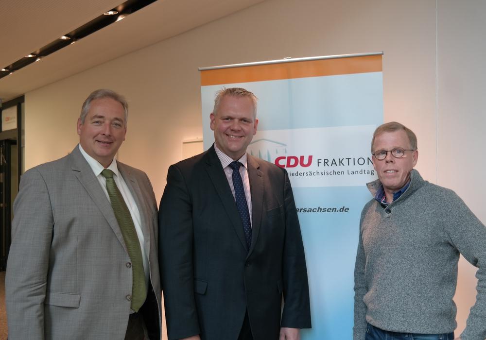 Der Landtagsfraktionsvorsitzende Björn Thümler und sein Stellvertreter Frank Oesterhelweg sind beim Braunkohlessen in Fümmelse zu Gast. Foto: CDU