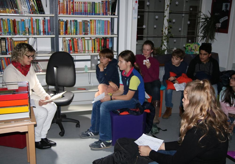 Vorlesenachmittag am Gymnasium im Schloss. Foto: Privar