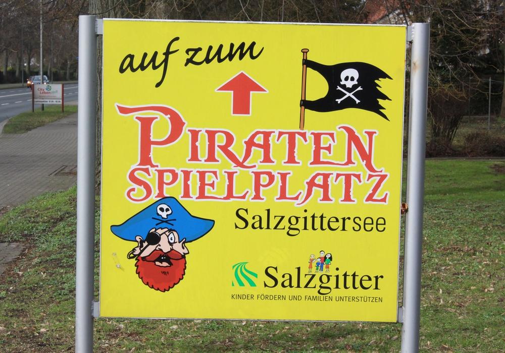 Entsteht bald eine Beachbar im Bereich des Piratenspielplatzes? Foto: Nino Milizia