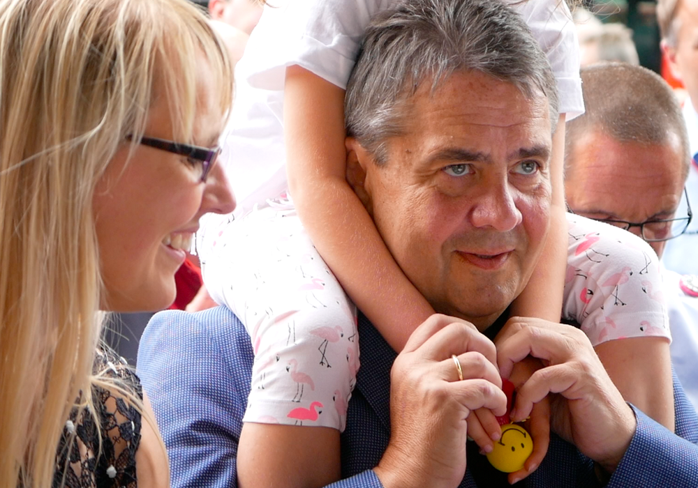 Sigmar Gabriel mit Familie in Goslar. Foto: Alexander Panknin