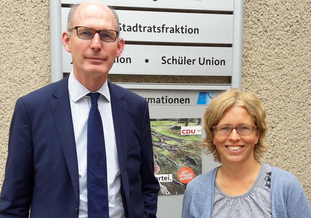 Christoph Plett MdL mit Juliane v. Ilten (Leitung Freiwilligendienste beim LKJ Nds.). Foto: Wahlkreisbüro Christoph Plett