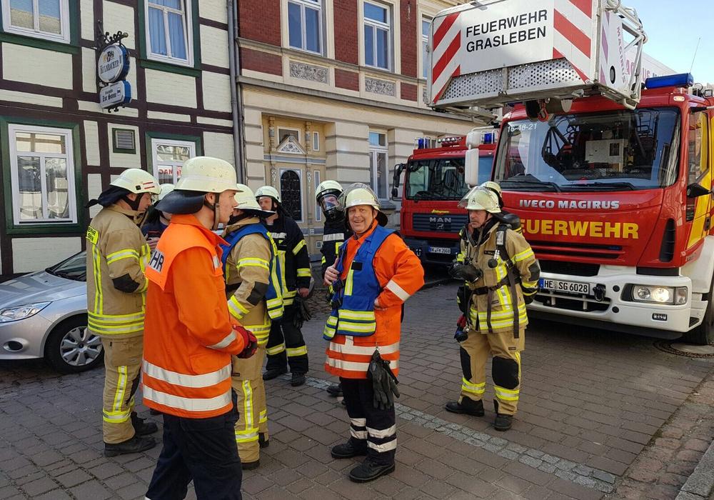 In Weferlingen kam es heute zu einem Brand mit einem Schwerverletzten. Foto: Feuerwehr Grasleben/Christoph Hasenfuß