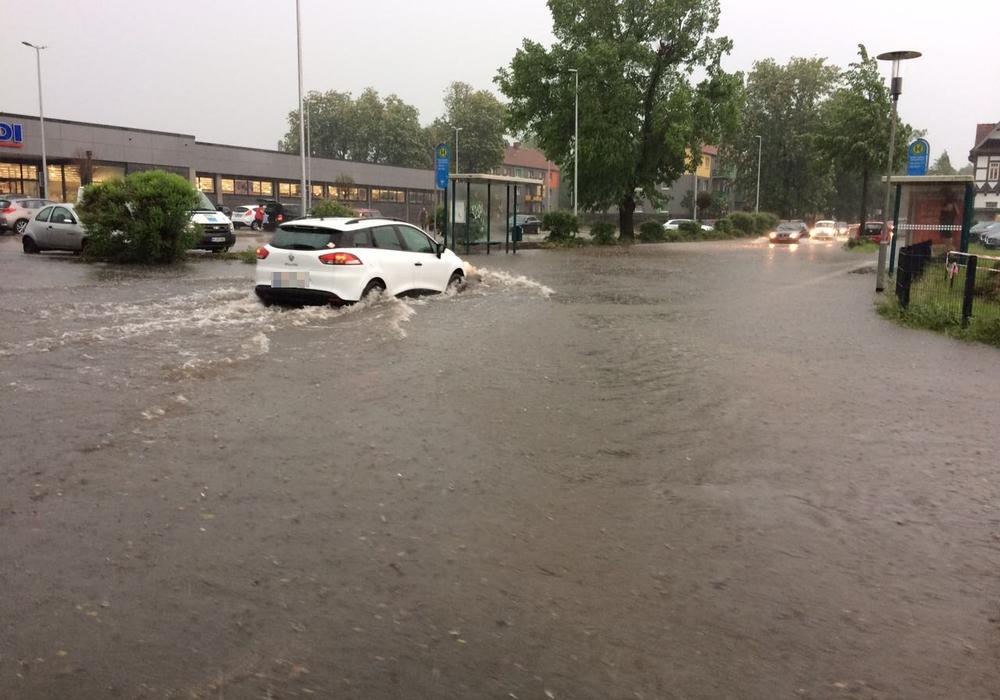 Drohen der Region nach gestern erneut überflutete Straßen? Foto: Werner Heise