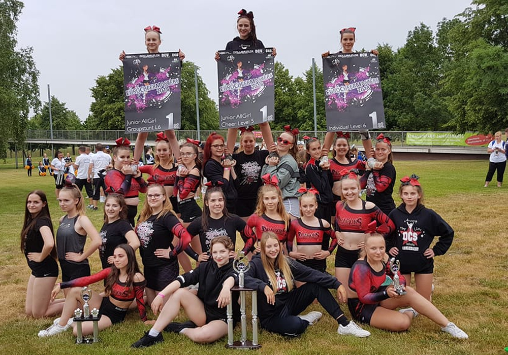 Großer Erfolg bei Cheerleader-Meisterschaft. Fotos: Dragons Cheerleader Schandelah