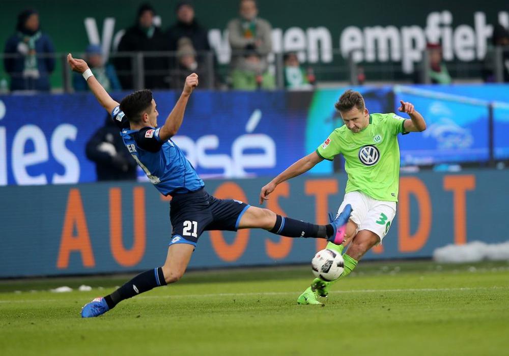 Ein knackiges Spiel für VfL-Youngster Paul Seguin und Benjamin Hübner. Fotos: Agentur Hübner