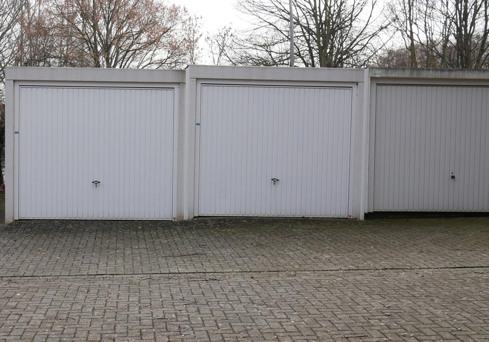 50 PKW-Garagen und zehn Großgaragen sollen entstehen. Symbolfoto: Alexander Panknin