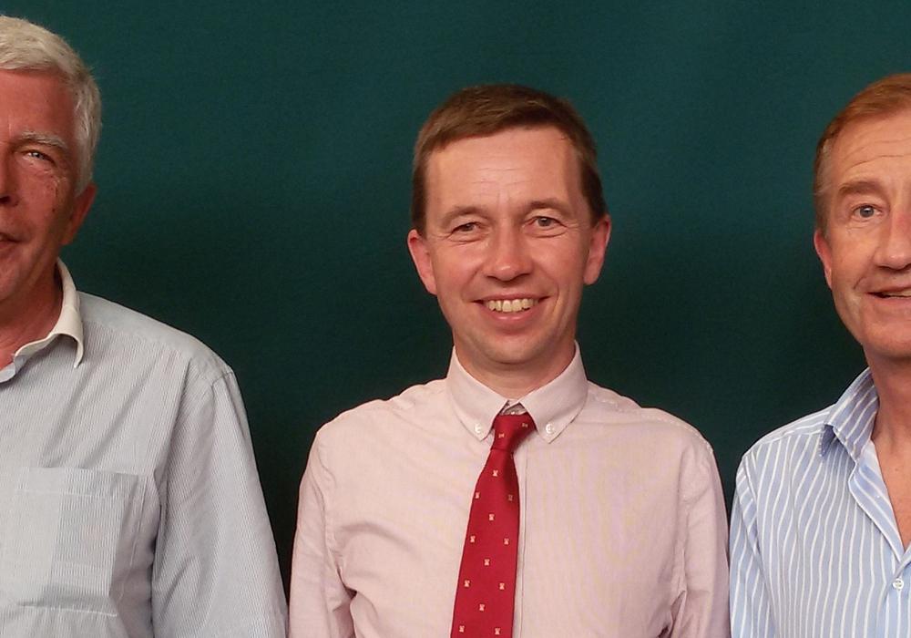Von links: Horst Czichy, Prof. Dr. Bernd Lucke, Andreas Boom. Foto: Privat