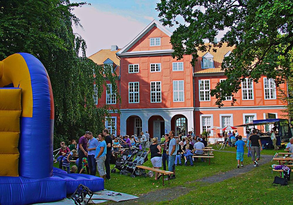 Die SPD Sickte lud zum Sommerfest im Herrenhauspark. Foto: Privat