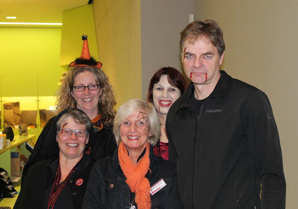 Das paläon-Team zu Halloween. Foto: Fotocredits paläon GmbH