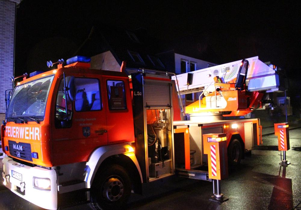 Feuerwehr rückte zu einem Brand in Salzdahlum aus. Symbolfoto: Max Förster/Fotos: Michael Hoppmann