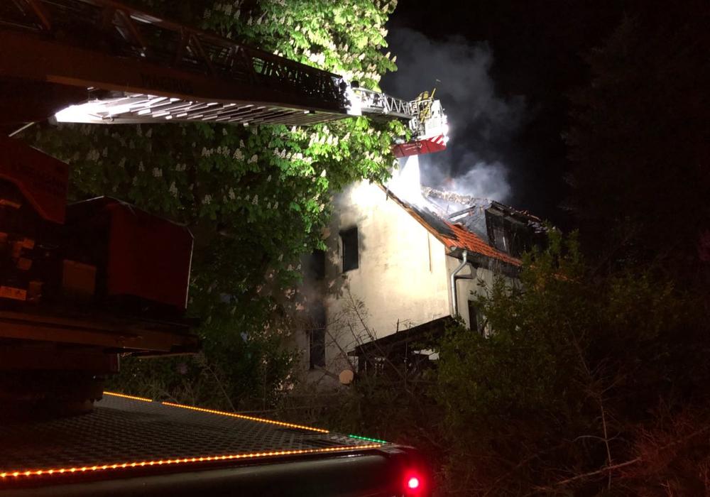 Wann haben die Brände in der Walbecker Straße endlich ein Ende? Fotos: Feuerwehr Helmstedt