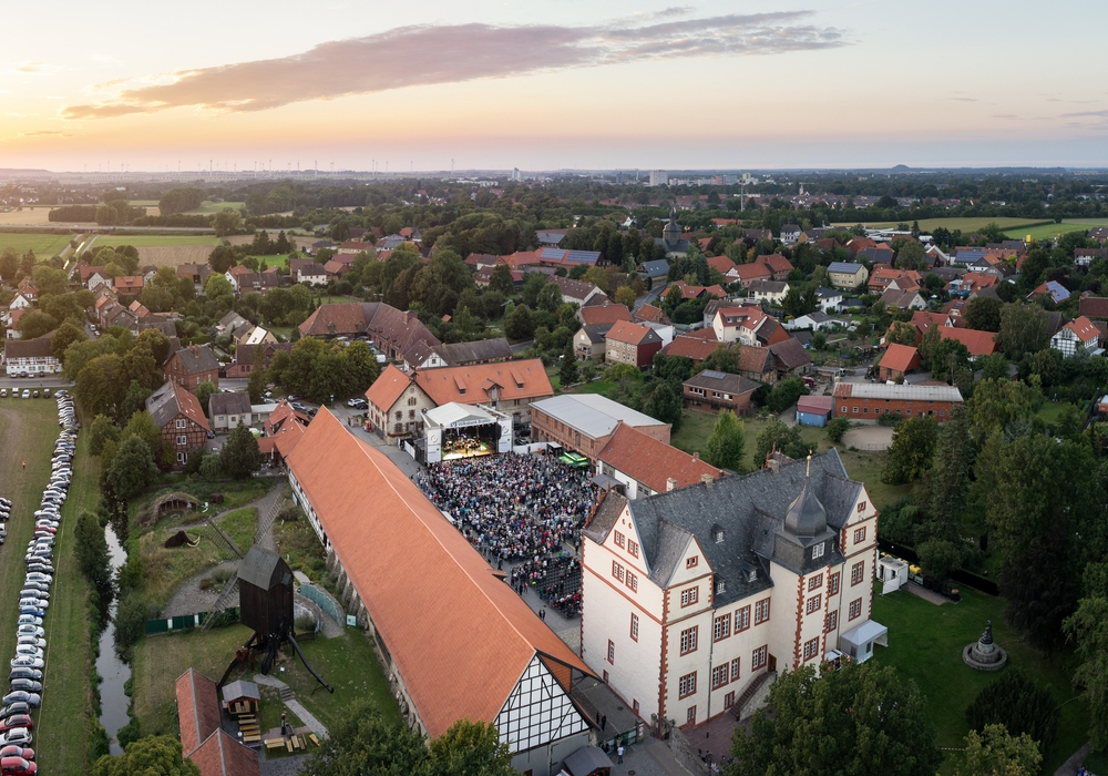 Auch der Kultursommer am Schloss Salder kommt im Video vor. Foto: Stadt Salzgitter