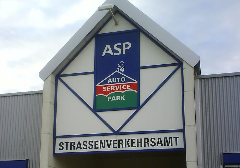 Die Zulassungs- und die Führerscheinstelle im Straßenverkehrsamt ist am 2. März geschlossen. Foto: Landkreis