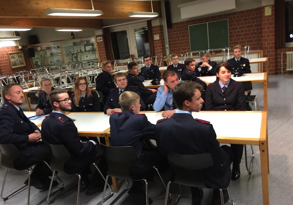 In dieser Woche startete bei der Feuerwehr Wolfenbüttel, in der Feuerwache, der neue Truppmann  I  Lehrgang. Foto: Feuerwehr