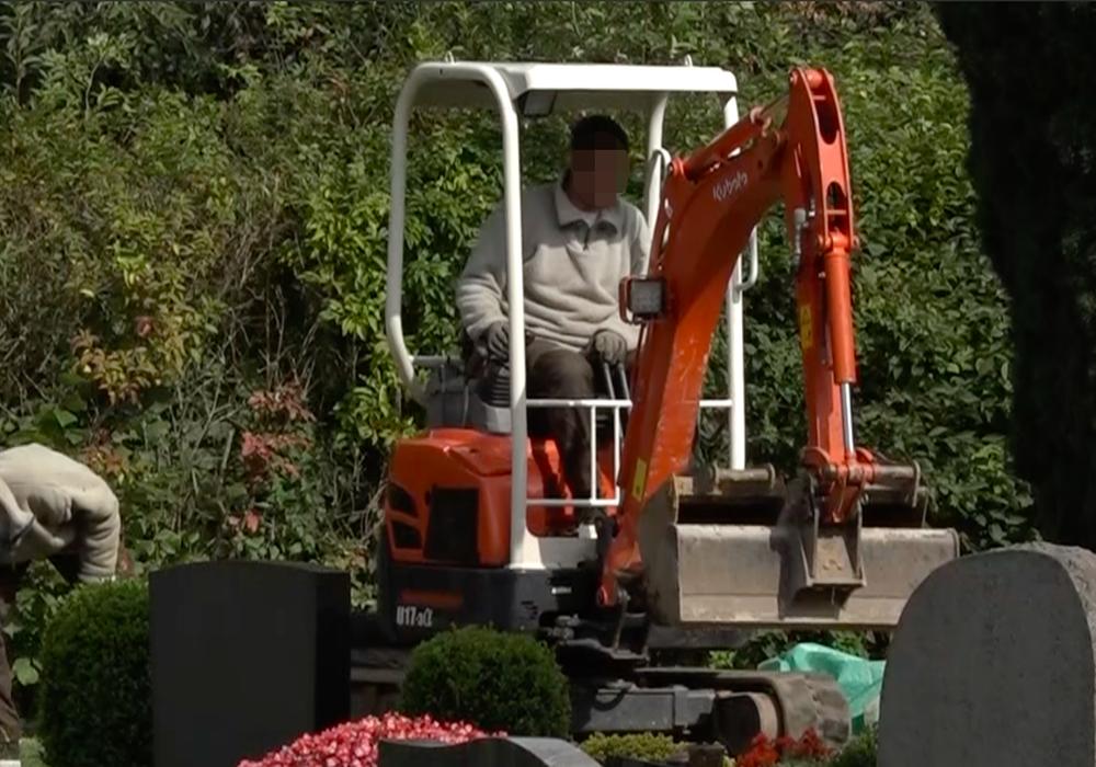 Exhumierung auf dem Friedhof in Fümmelse. Foto: aktuell24 (BM)