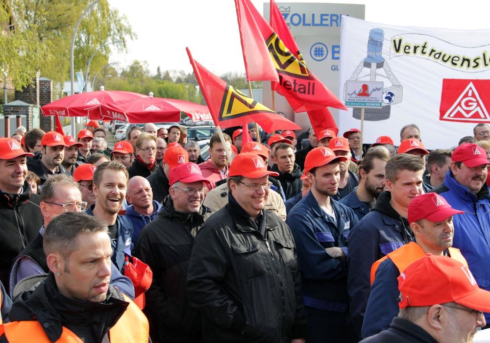 Warnstreik bei Zollern BHW in Braunschweig. Foto: Peter Frank, d&d