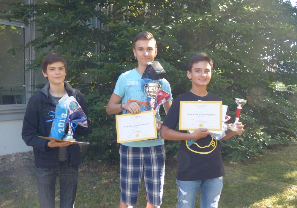 Tobias Weimar, Vincent Treder und Razvan Popa. Foto: Große Schule