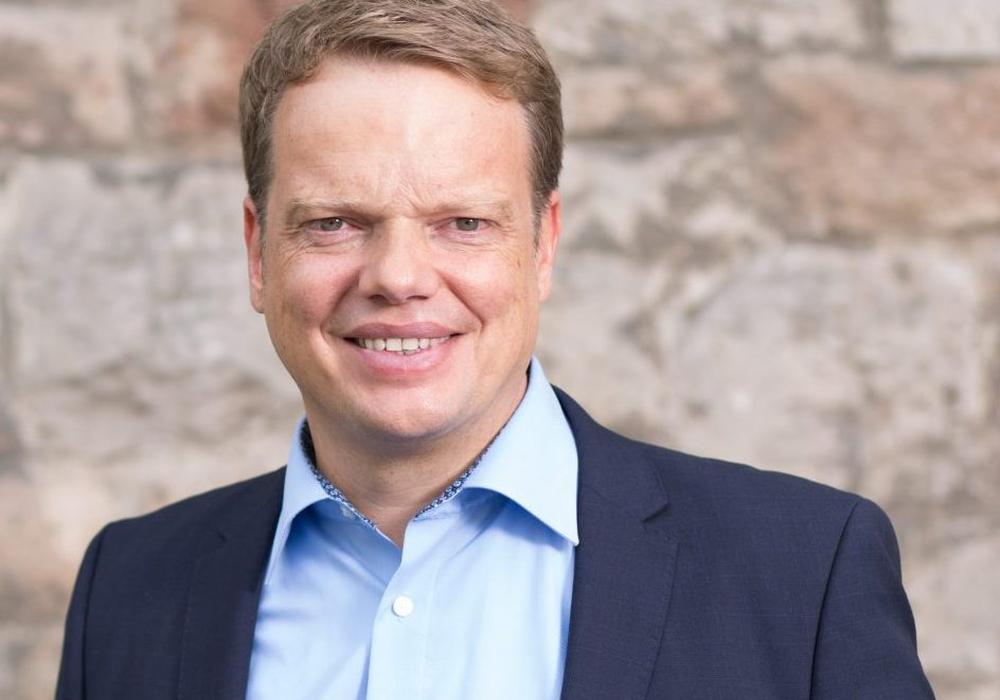 """Christoph Bratmann sagt: """"Gute Bildung darf weder vom Geldbeutel der Eltern, noch von den Finanzen der jeweiligen Kommunen abhängen"""". Foto: SPD"""