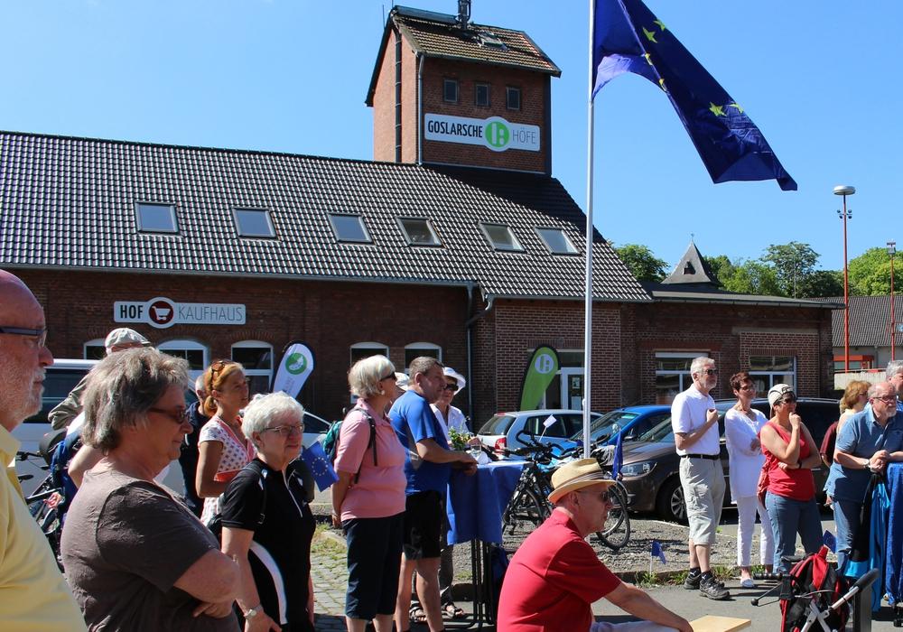 Mit der Aktion auf den Goslarschen Höfen wollten die Verantwortliche ein Zeichen für den europäischen Gedanken setzen.  Foto: Frederick Becker
