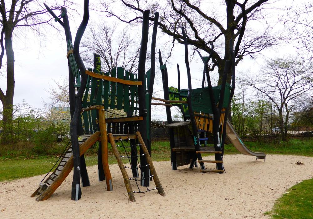 Neue Spielkombi für den Spielplatz Carl-Grete-Straße. Foto: Stadt Wolfsburg