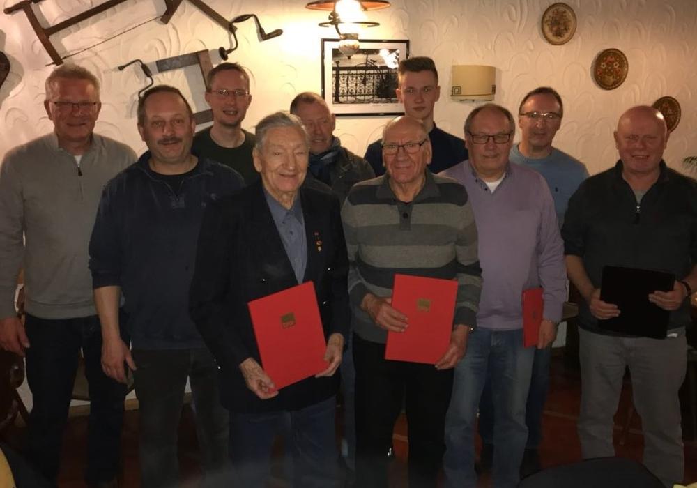 Geehrt wurden Adam Flor, Hardy Hucke sowie Wolfgang Poerschke für ihre 50 jährige Mitgliedschaft in der Partei. Foto: SPD
