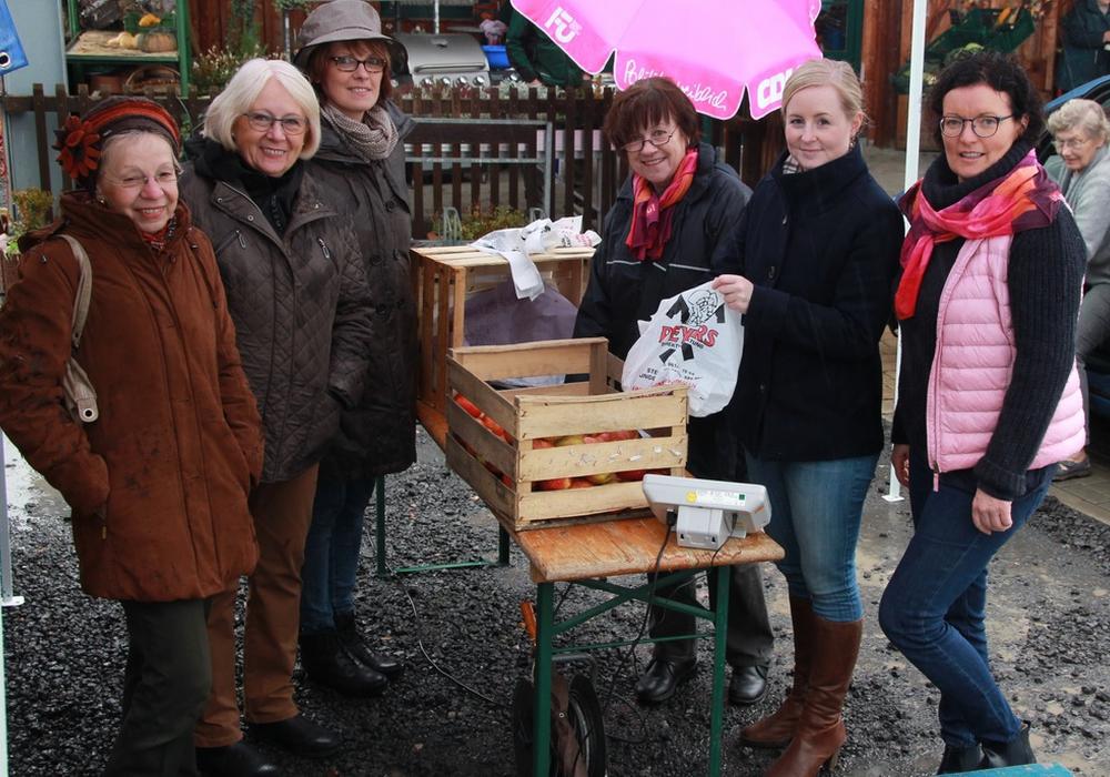 Die Frauen Union freute sich über die große Resonanz auf ihre Spendenaktion. Foto: Frauen Union