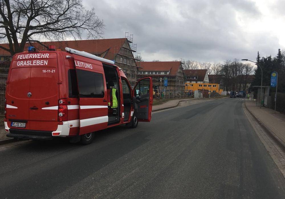 Die Einsatzkräfte der Feuerwehren der Samtgemeinde sind derzeit in Mariental im Einsatz. Foto: Christoph Hasenfuß