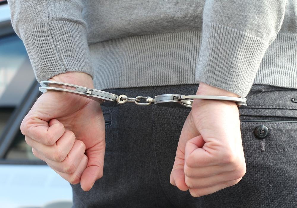 Die Polizei stellte gestern Abend ein Diebespaar auf frischer Tat.  Symbolbild: pixabay