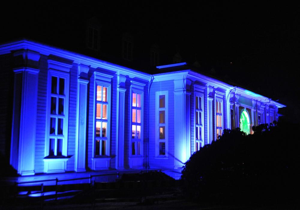Illuminierte Gebäude, hier die Aula Academica, sind ein Markenzweichen der Langen Nacht der Wissenschaft. Foto: TU Clausthal