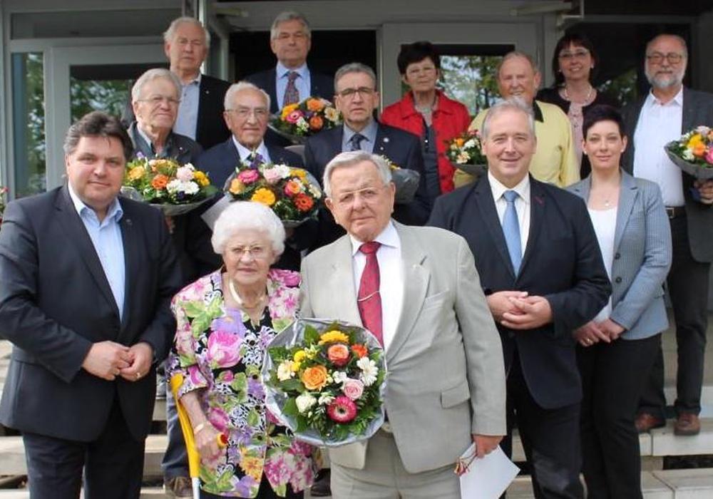 Die CDU-Jubilare tauschten anläßlich ihrer Ehrungen viele Erinnerungen aus. Foto: Andreas Meißler