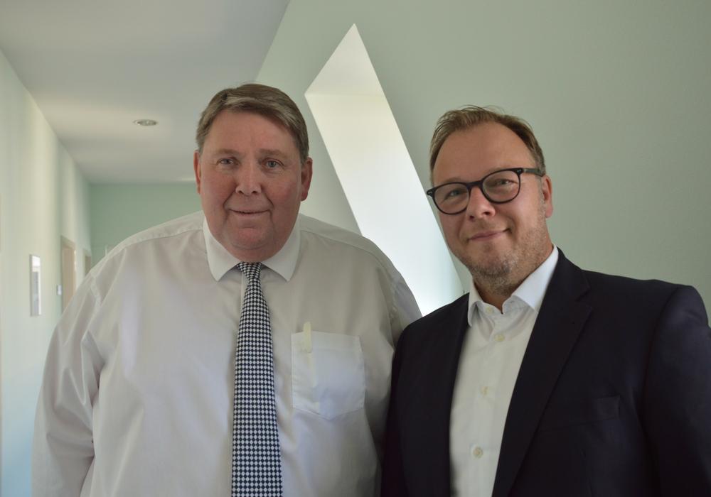 Renke Droste (l.) hört zum Ende des Jahres als Kaufmännischer Geschäftsführer der Harzwasserwerke auf. Sein Nachfolger Lars Schmidt wird das Unternehmen bereits ab September verstärken. Foto: Harzwasserwerke