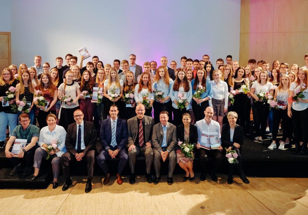 """Die Preisträger der """"promotion school"""". Foto: Allianz für die Region GmbH/Janina Snatzke."""