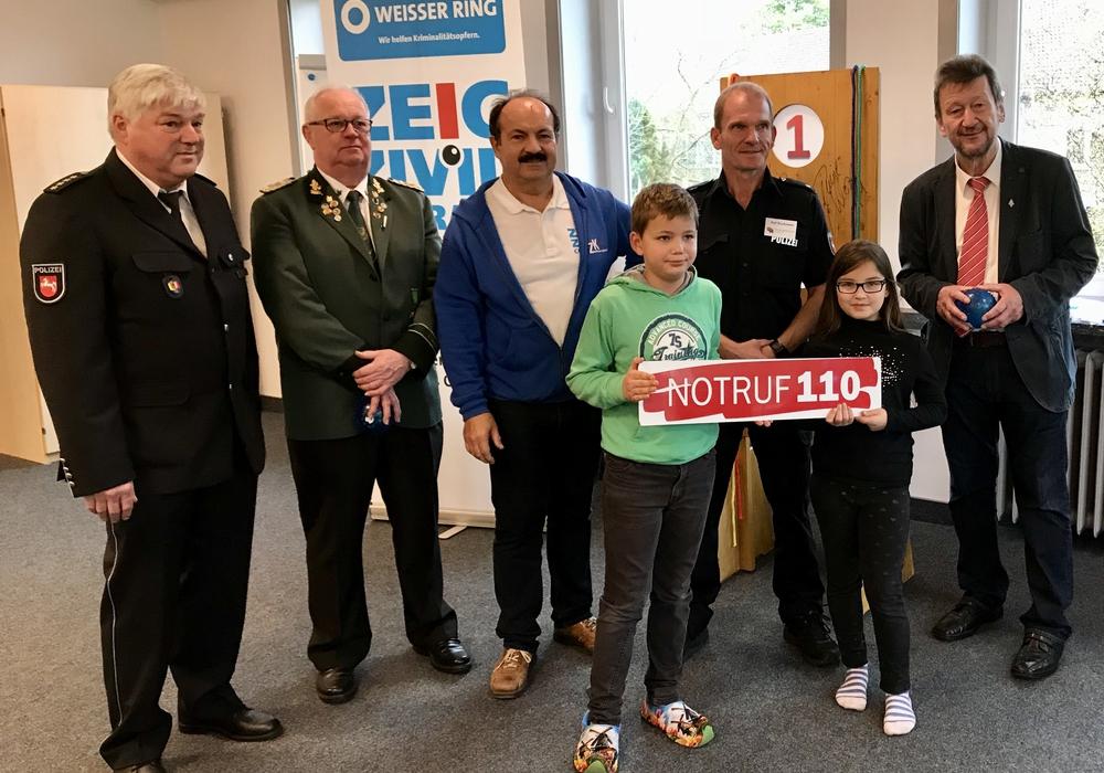 Zivilcourage an der Grundschule Langelsheim. Fotos: WEISSER RING