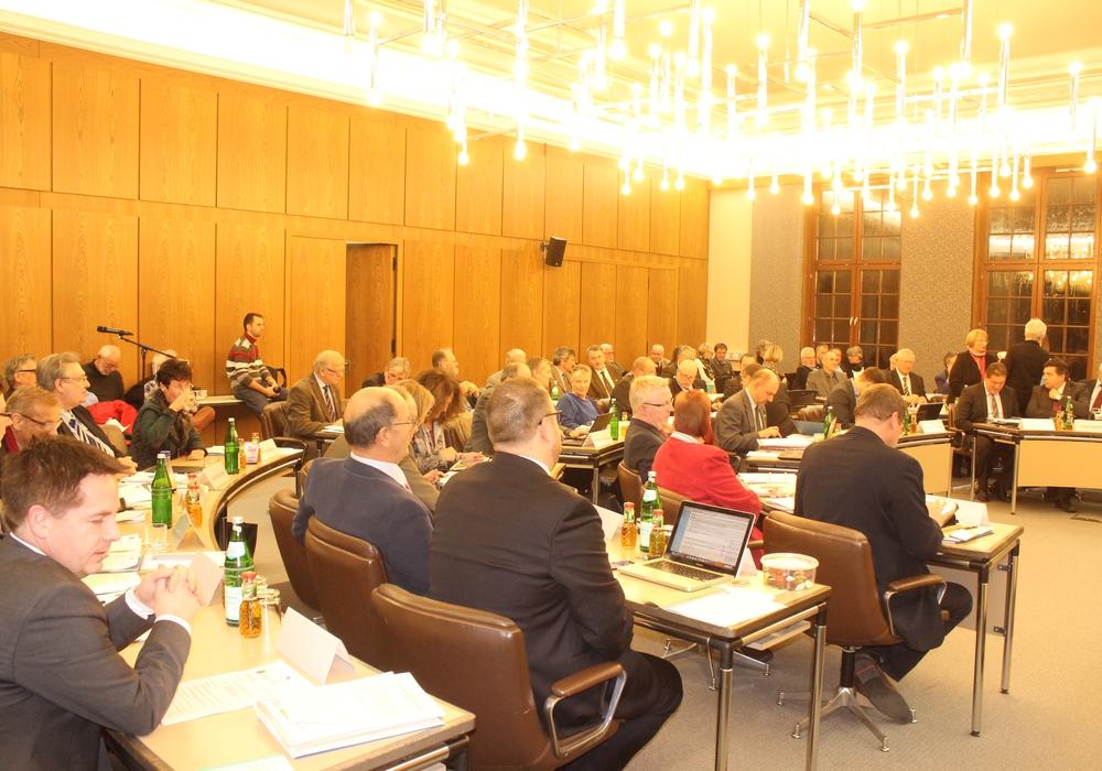 In der konstituierenden Sitzung des Kreistags wurden die Fachausschüsse besetzt. Foto: Anke Donner