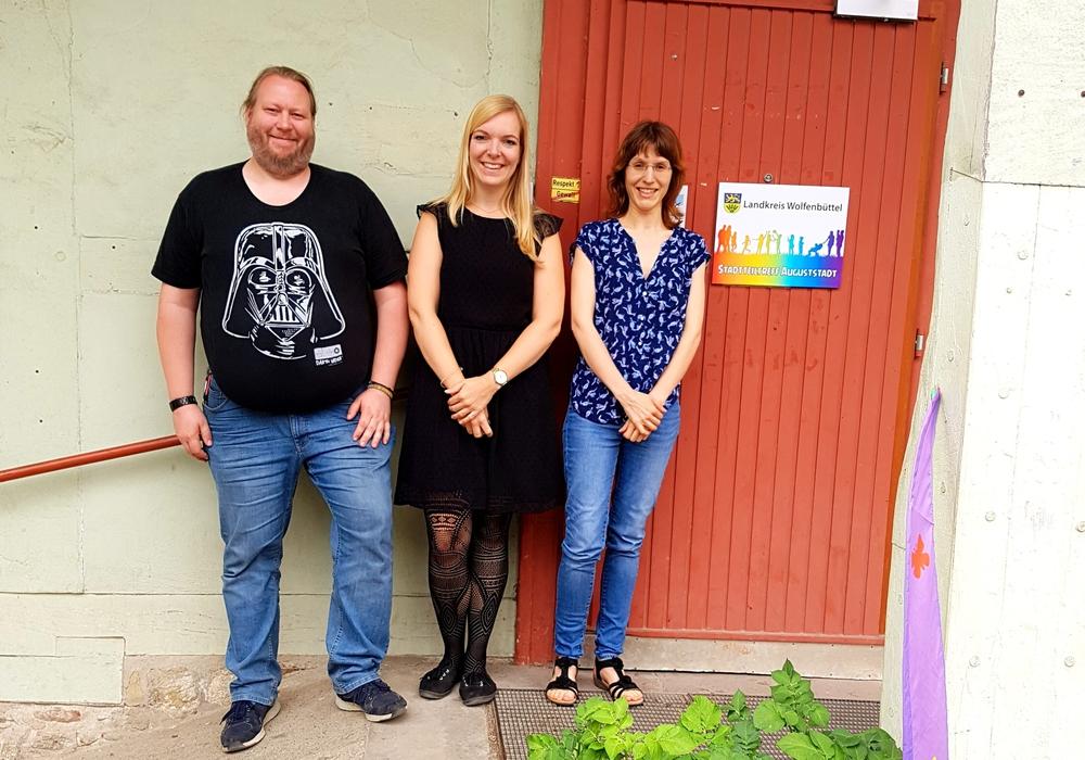Organisieren den Familienbazar (v.l.): Matthias Bosse, Susanne Pensler und Natalie Weidner. Foto: Landkreis Wolfenbüttel