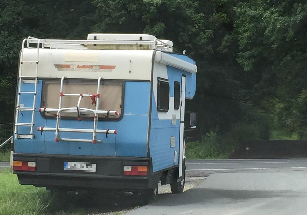 Love-Mobile an der B188 sollen weg: Eigentümer