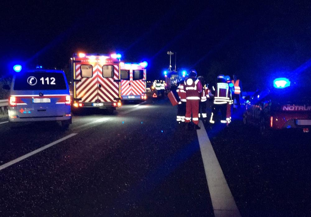 Nach dem Unfall auf der A 395 sucht die Polizei Zeugen. Foto: aktuell24