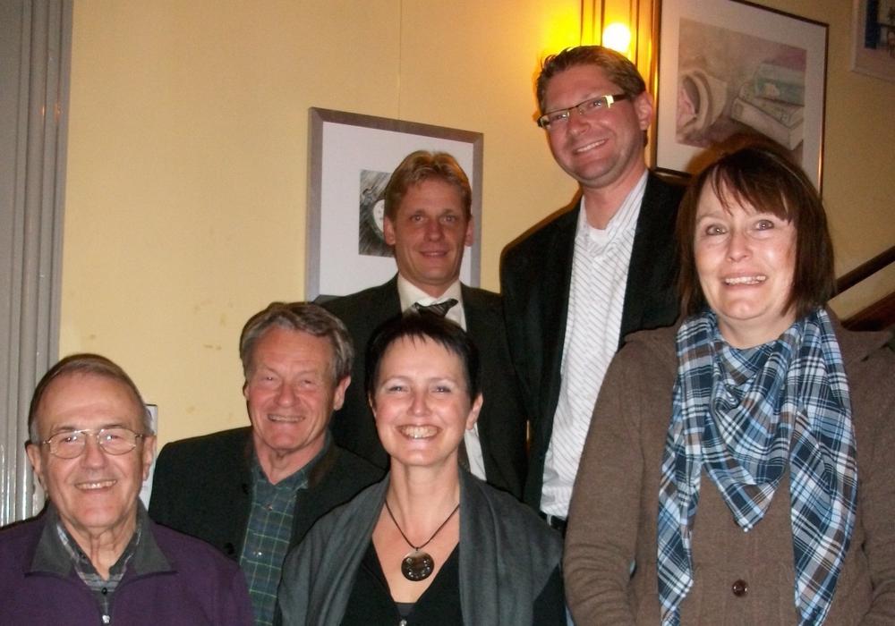 Auf dem Foto  v. l.: Johann Seifert, Dr. Manfred Bormann, Eva-M. Reitmann, Kai Jacobs, Marco Kelb, Ulrike Bosse; bei einer Sitzung im Herrenhaus, Foto: Privat