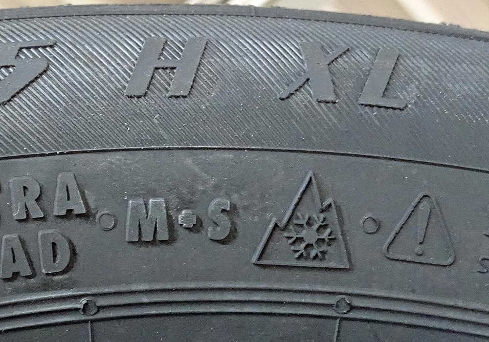 Zukünftig muss das Alpin-Symbol auf Winterreifen zu sehen sein. Foto: Achim Klaffehn