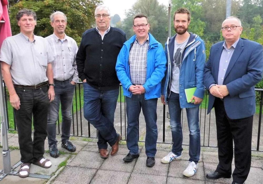 Die Bündnis 90 / Die Grünen-Stadtratsfraktion bei ihrem Besuch am Fümmelsee. Es nahmen teil (v.l.): Reiner Strobach, Detlef Justen (WSV), Rainer Porath (WSV), Jürgen Selke-Witzel, Sascha Poser und Andreas Meißler (WSV). Foto: WSV