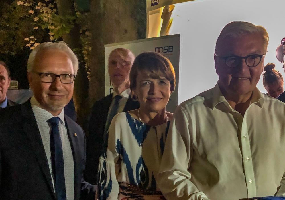 Michael Schwarze (links) mit dem Bundespräsidenten. Foto: Michael Schwarze