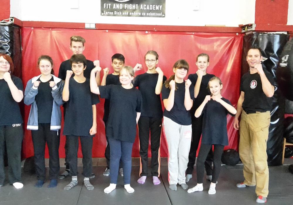 Die Jugendfeuerwehr Adersheim waren zum zweiten Mal in Braunschweig bei der Fit and Fight Academy. Foto: Jugendfeuerwehr Adersheim