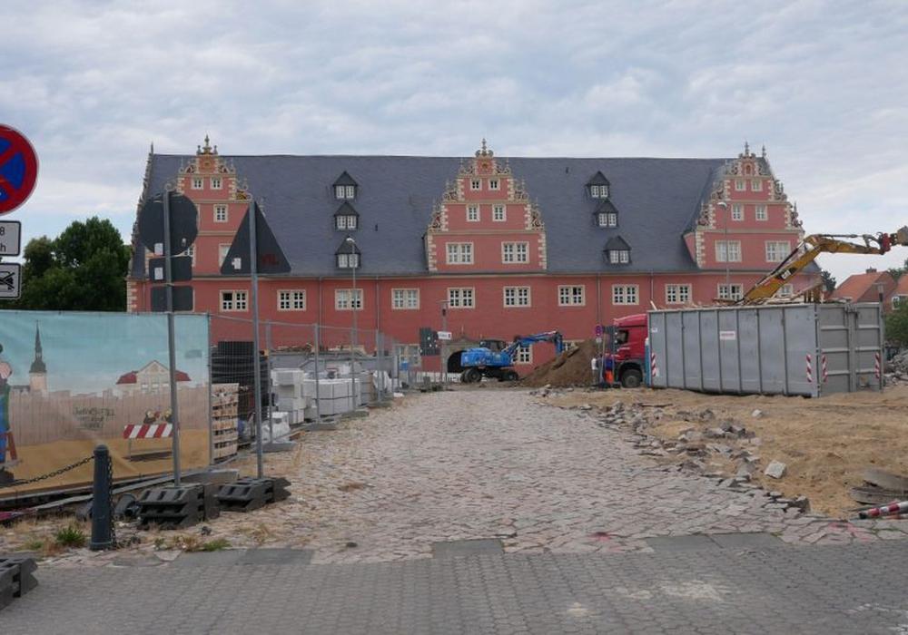 Der Umbau des Schlossplatzes ist im vollen Gange. Foto: Alexander Panknin
