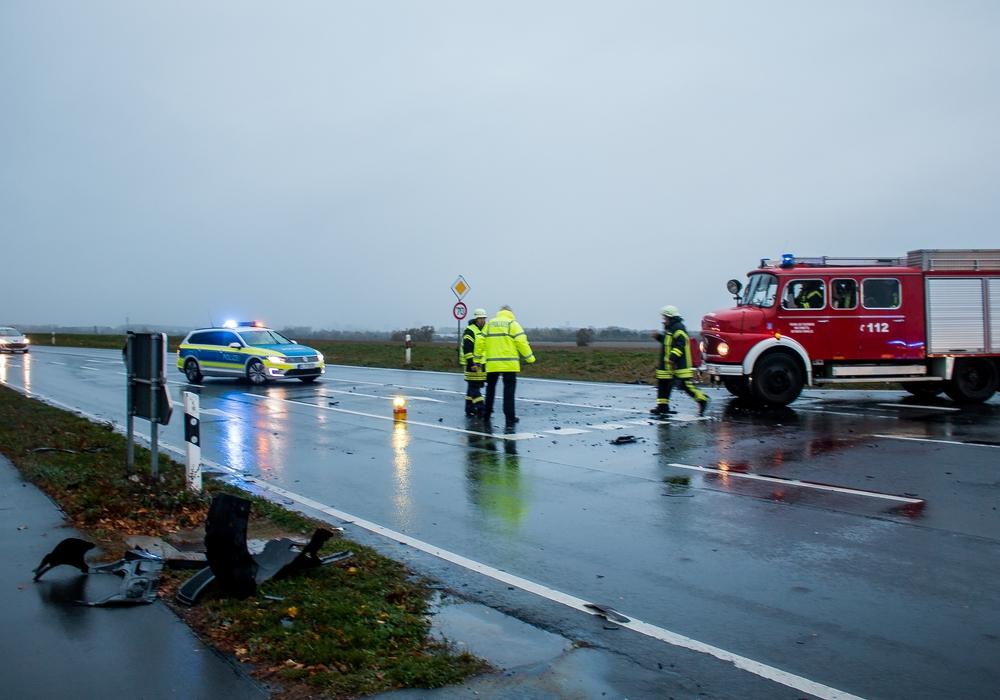 Am Mittwochmorgen kam es bei Adersheim zu einem Unfall. Foto: Werner Heise
