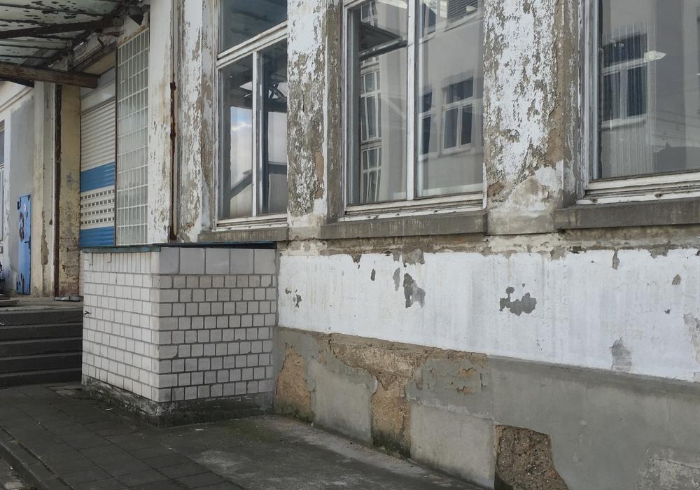 Einige Gebäude auf dem Voigtländer-Areal sind sehr in die Jahre gekommen. Foto: Robert Braumann