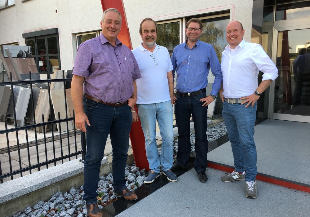 Im Gespräch mit Frank Steffen (2. v. il.):  Landtagsabgeordneter Frank Oesterhelweg, Bürgermeister Marco Kelb und MIT-Vorsitzender Holger Bormann (v- li.). Foto: Gemeinde Sickte