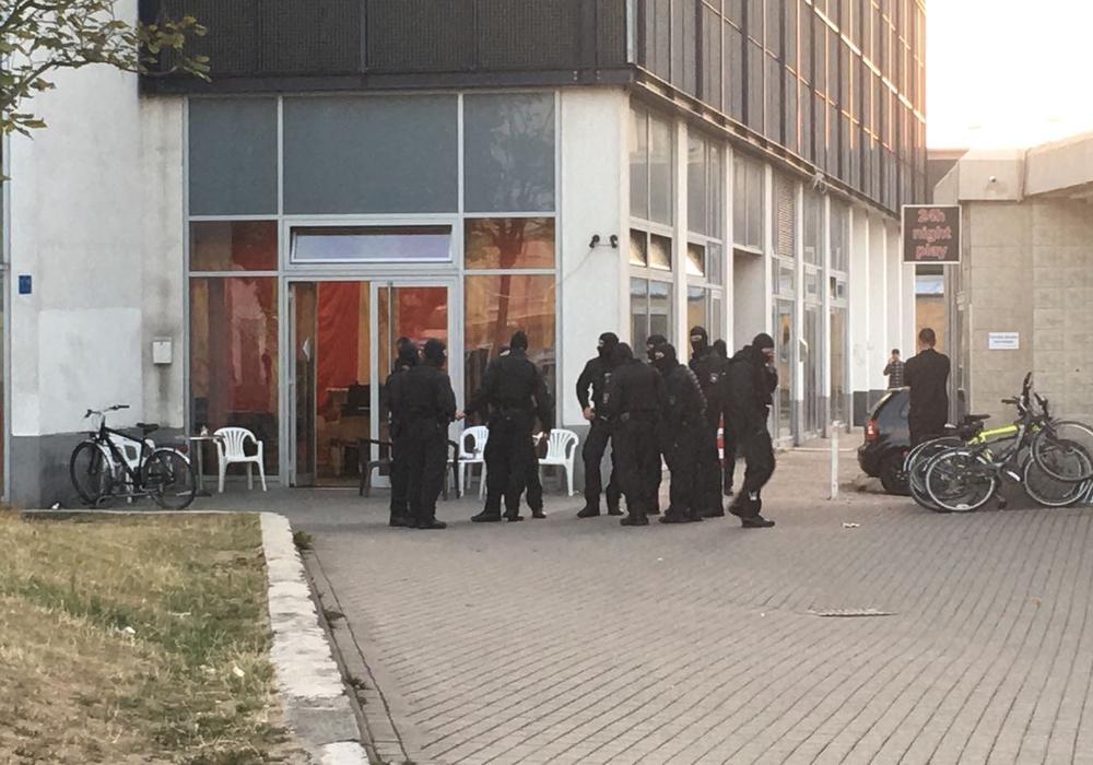 Die Polizei zieht nach der Razzia in Wolfsburg eine BiIanz. Foto: aktuell24