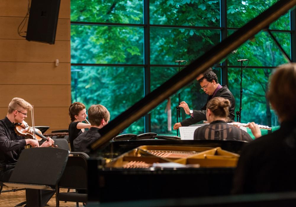 Das Landesjugendensemble Neue Musik spielt in der Landesmusikakademie. Foto: Landesmusikakademie
