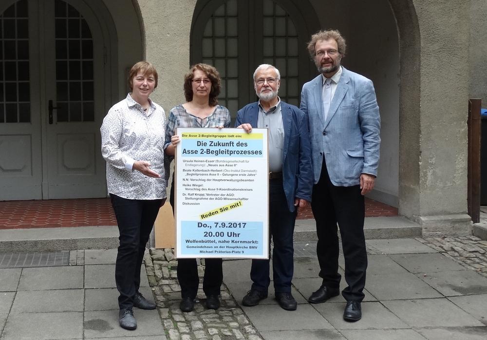 Mitglieder des Organisationskomitees: Christiane Jagau (BUND Wolfenbüttel), Heike Wiegel (Asse II-Koordinationskreis), Hilmar Nagel (Samtgemeinderat Elm-Asse), Andreas Riekeberg (Asse II-Koordinationskreis) (v. li.). Foto: privat