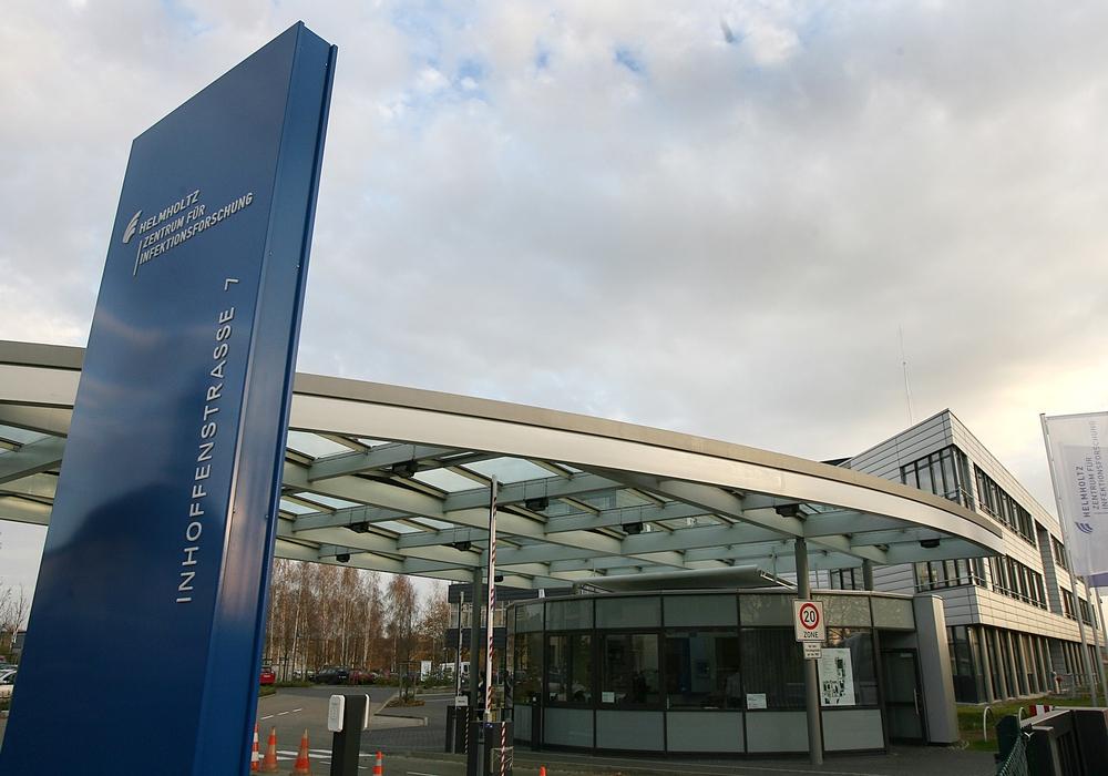 Helmholtz-Zentrum für Infektionsforschung GmbH, Eingang, Foto: ©HZI